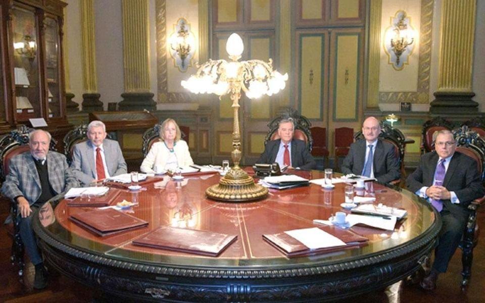 Dos ministros de la Corte, entre los vacunados: Genoud y Kogan