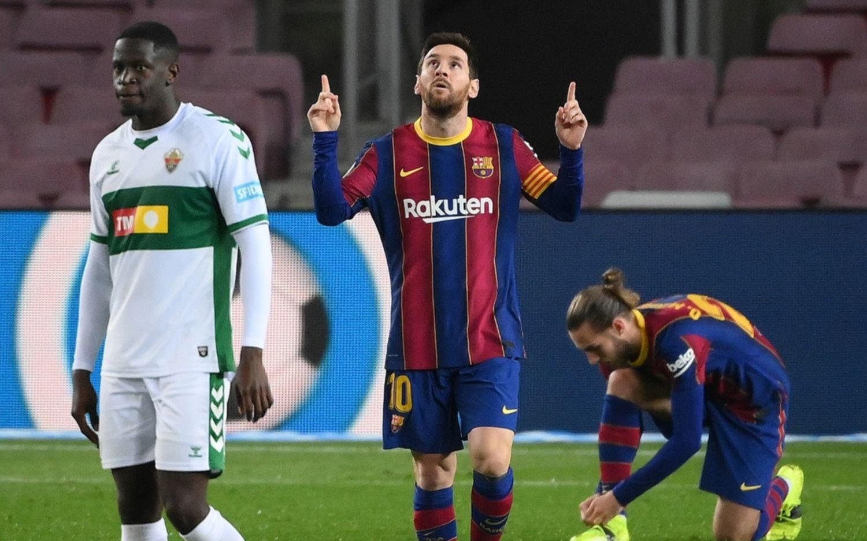 Barcelona, con Messi, se puso al día con una goleada ante el Elche en la Liga de España