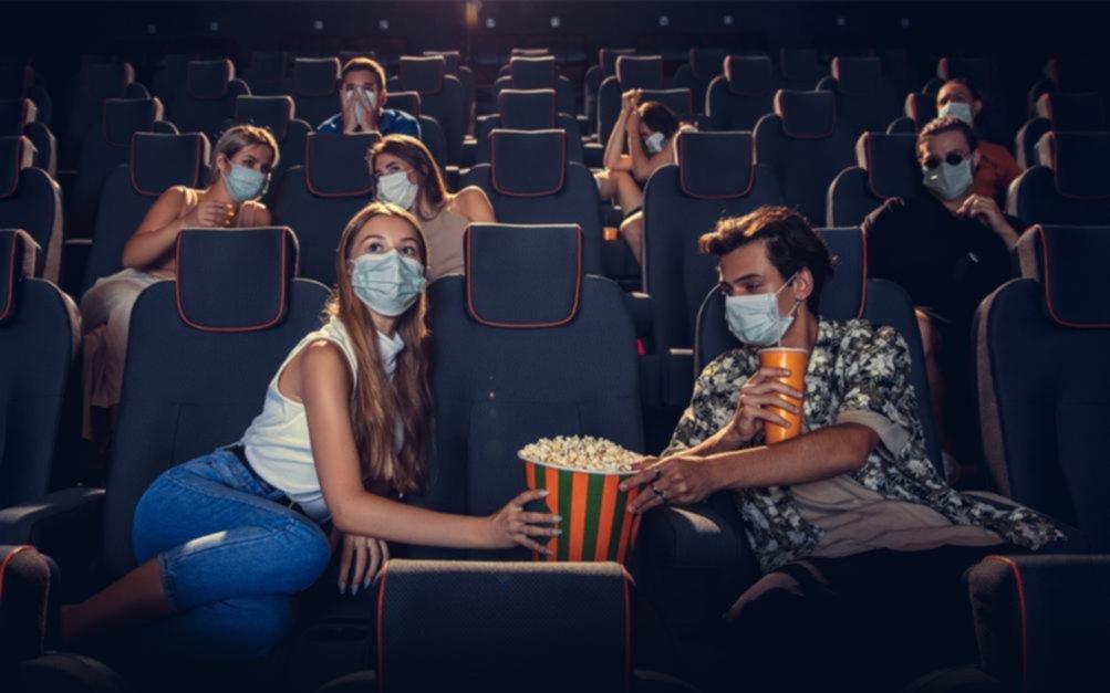 ¡Acción!: los cines de La Plata reabren sus puertas tras un año de salas vacías