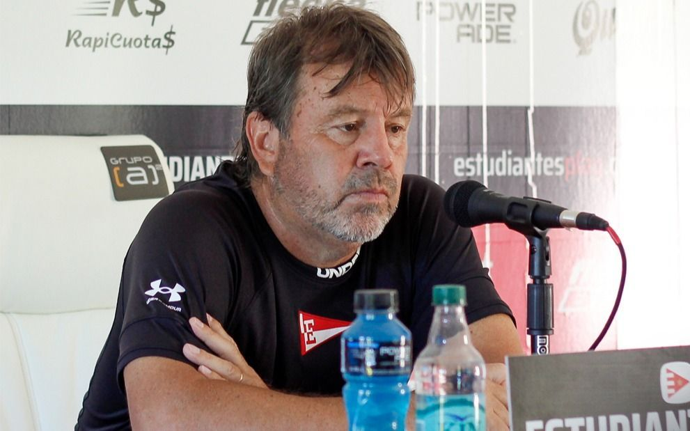 """Zielinski pide ir """"partido a partido"""" pero sabe que """"Racing será una buena medida"""""""
