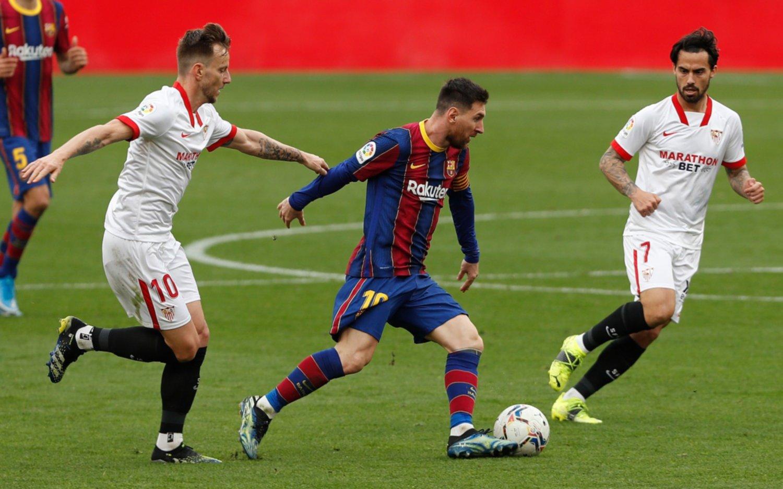 Con una asistencia y un gol de Messi, Barcelona consiguió un triunfo clave ante el Sevilla: quedó a 2 puntos del Atleti