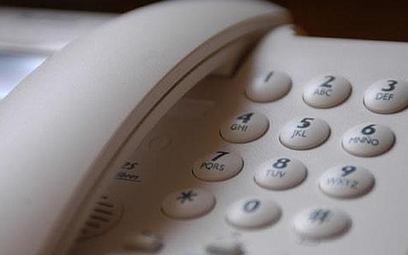 Familia de Punta Lara sin teléfono  fijo desde hace un mes