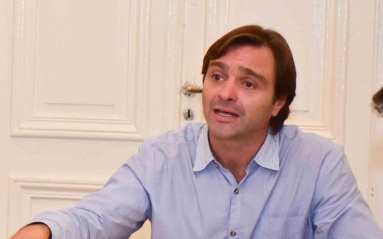 El intendente de Magdalena sigue internado en La Plata