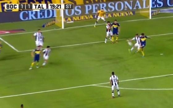 El árbitro Penel reconoció que debió haber cobrado penal para Boca