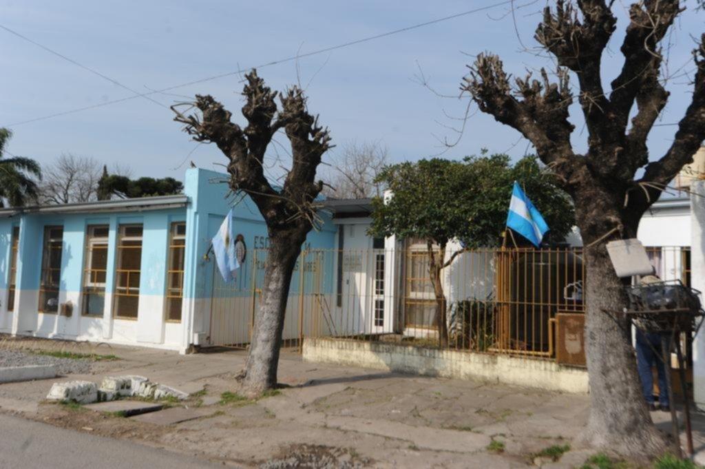 Reclaman arreglos en varias escuelas públicas de Villa Elisa
