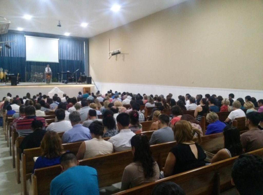 La Iglesia de City Bell cumple 41 años en la comunidad