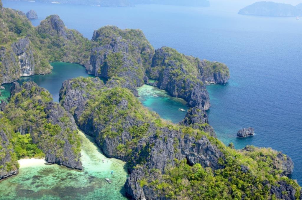 Saltar de una isla paradisíaca a otra en el oeste de Filipinas