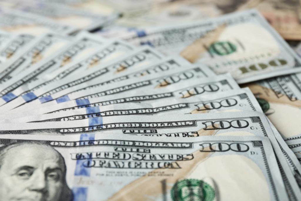 Aseguran que el dólar seguirá subiendo y acompañará la inflación