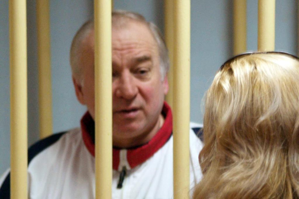 Londres promete una respuesta dura si Rusia está detrás del envenenamiento de un ex espía