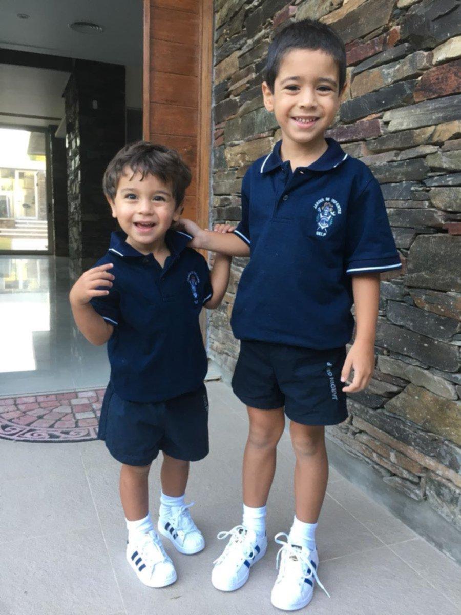 Los hijos de Pedro Troglio, en el Colegio del Lobo