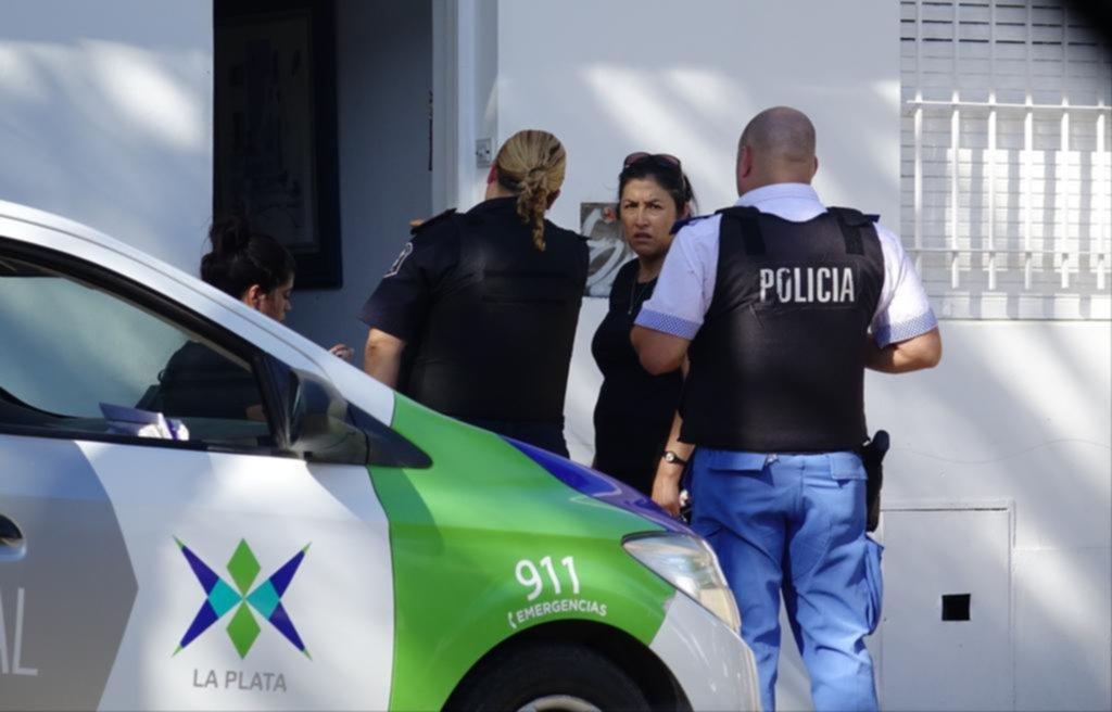 Mientras todos descansaban, una banda tomó por asalto dos departamentos en 10 y 67