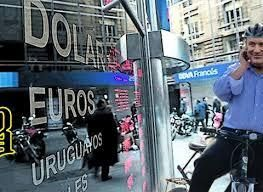 El Banco Central tuvo que vender US$ 130 millones para frenar al dólar: cerró a $20,68