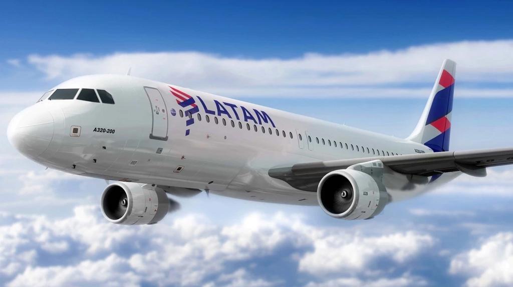 Avión de Latam debió regresar porque detectaron humo en la cabina