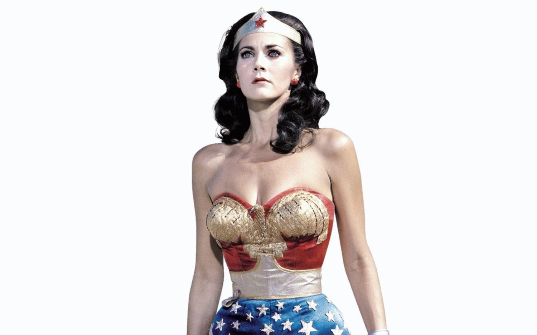 Ni la Mujer Maravilla se salvó de la ola de abusos