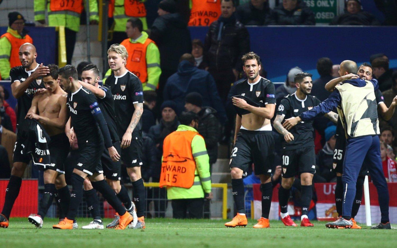 El Sevilla de los argentinos dio el golpe en Manchester y eliminó al United