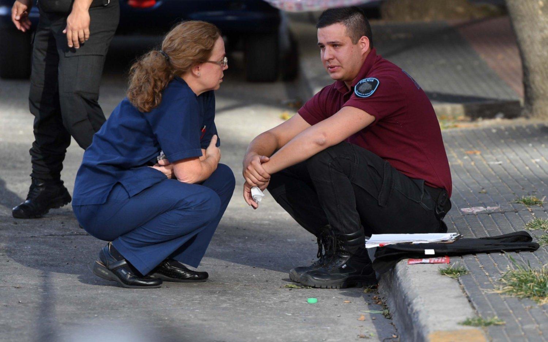 Un tiroteo en San Telmo deja un saldo de un policía muerto y otro herido