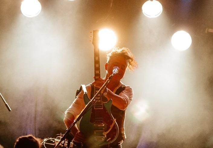 Richard Coleman: una guitarra heroica suelta en La Plata