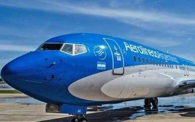 Aerolíneas Argentinas canceló 35 vuelos y suspendió venta de pasajes