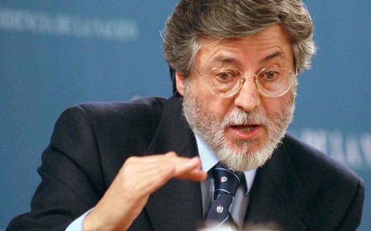 Macri despidió con honores a Abad, mientras Caputo coloniza AFIP
