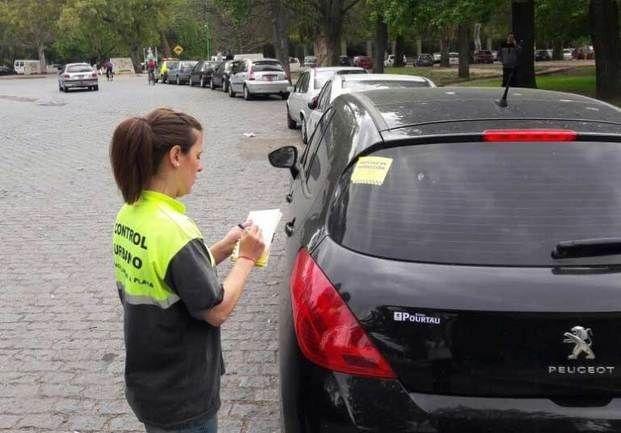 Para un juez, es inconstitucional negar la licencia de conducir por multas impagas