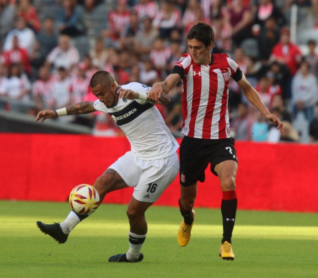 Ayala fue claro en un equipo irregular