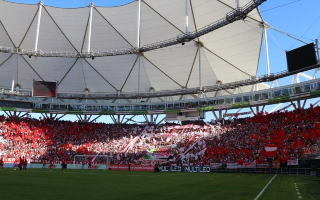 40 mil pincharratas coparon el estadio y se fueron eufóricos