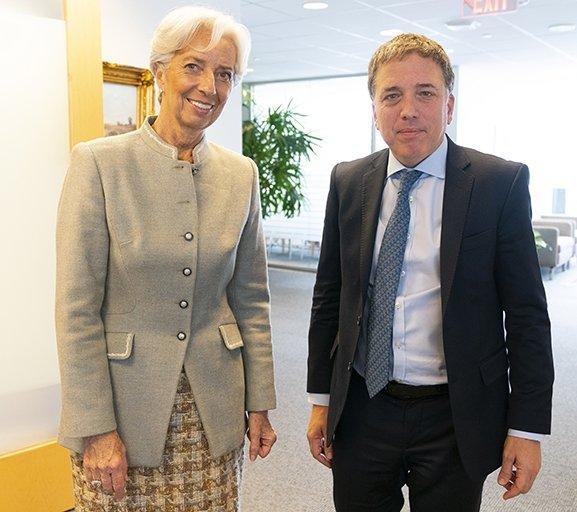 A días de otro desembolso se reunieron Dujovne y Lagarde