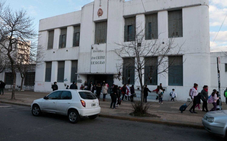 Marche a casa: por falta de agua, suspenden las clases en dos escuelas platenses