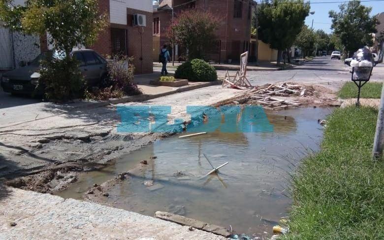 """Hartazgo en Berisso por  una obra inconclusa: """"Es una pileta"""""""
