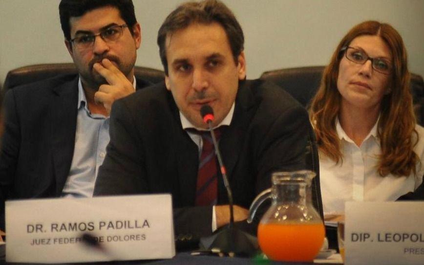Tras las fuertes denuncias, Ramos Padilla fue citado por la Bicameral de Inteligencia