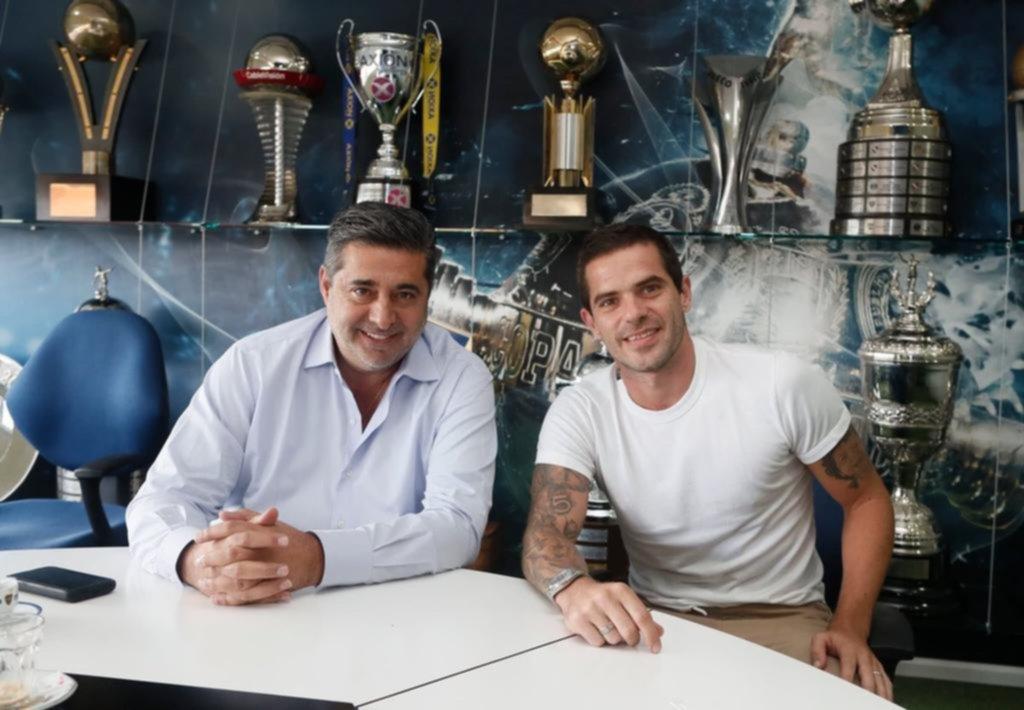 Gago rescindió su vínculo contractual con Boca de común acuerdo con Angelici