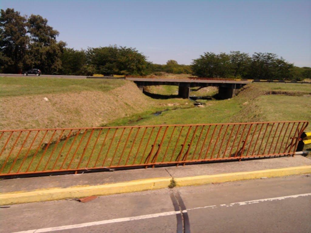 Anunciaron que se hará la bajada de la autopista en la curva de City Bell