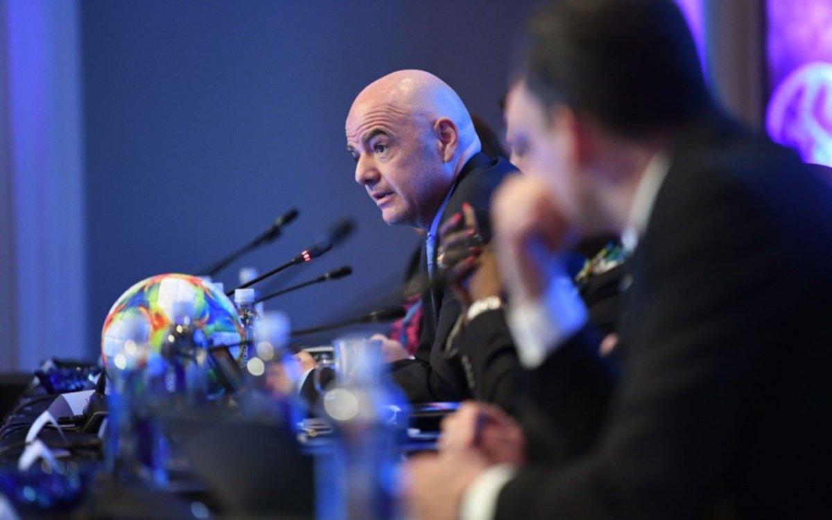 FIFA agranda los Mundiales: el de Clubes tendrá 24  equipos y el de Selecciones, 48