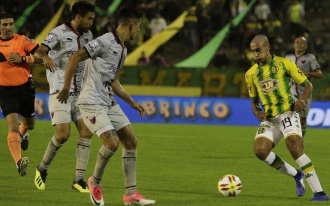 El Tiburón goleó al Sabalero y se metió en la pelea por entrar a la Copa Sudamericana