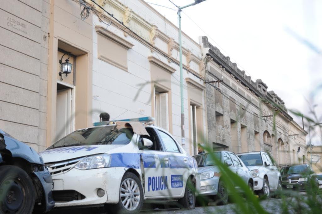 La denuncia contra el subcomisario de Tolosa puso en la mira a más policías