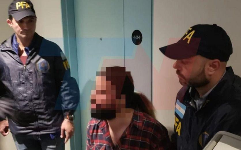 Detienen a pareja de iraníes por entrar al país con pasaportes israelíes robados