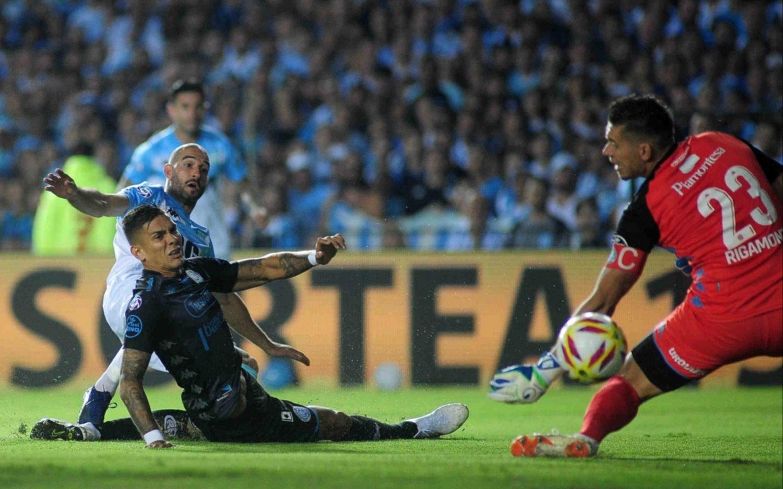 Con un gol desde el vestuario, Racing le gana a Belgrano en el Cilindro