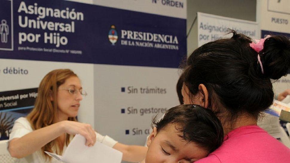 En La Plata, casi 65 mil beneficiarios cobran la Asignación Universal por Hijo