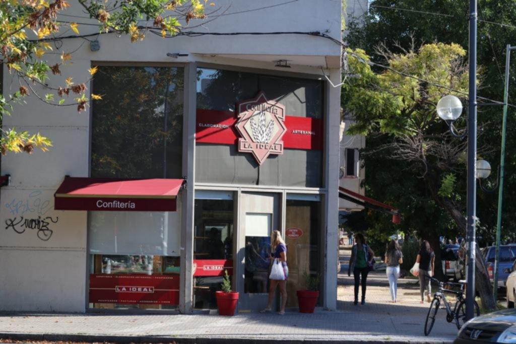 """Una panadería se sumó a los negocios """"víctimas"""" de robos en el casco urbano"""