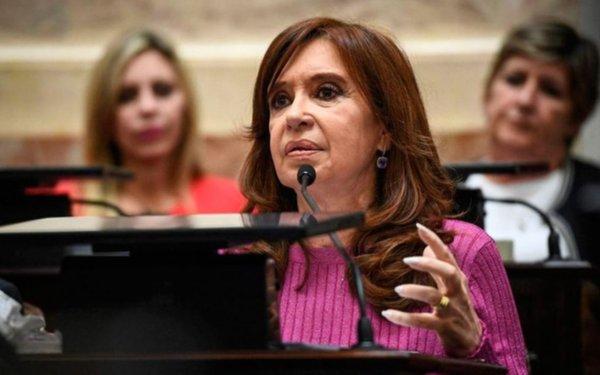 Doble procesamiento con preventiva contra Cristina Kirchner por subsidios al transporte