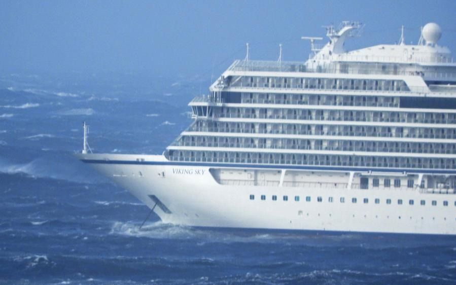 Un crucero varado en Noruega tuvo que evacuar a 500 personas