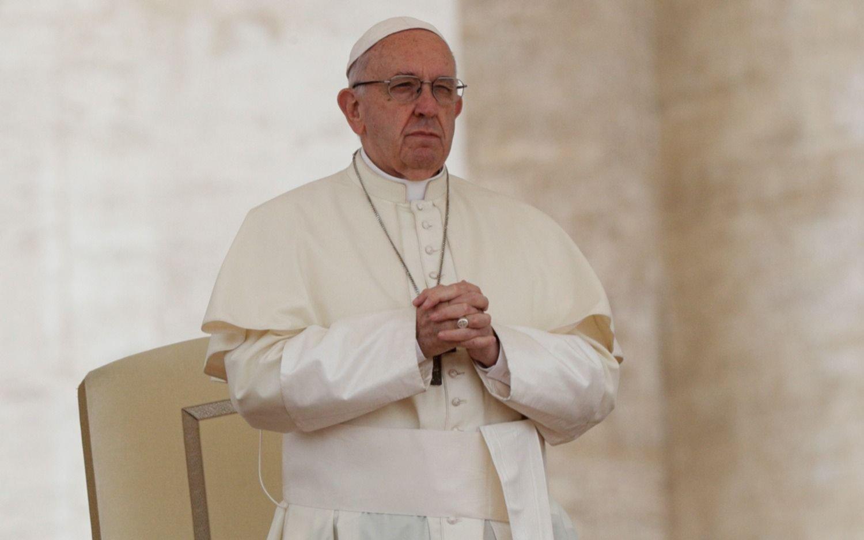 Por decreto, Francisco endurece las leyes del Vaticano contra la pederastia