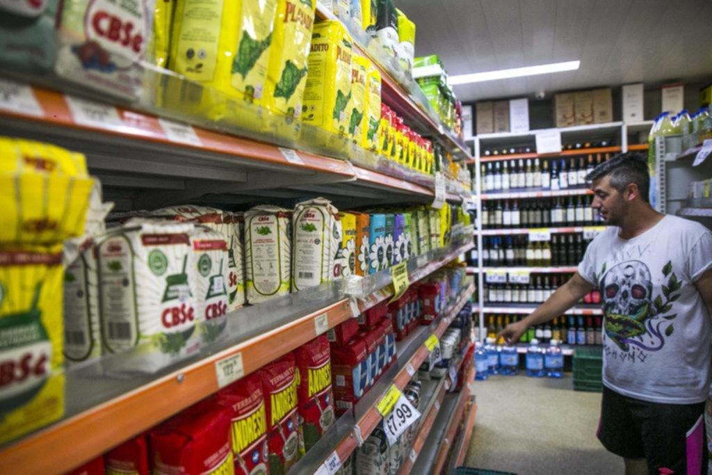 La yerba mate ya es casi un bien de lujo y los productores piden que aumente 91%