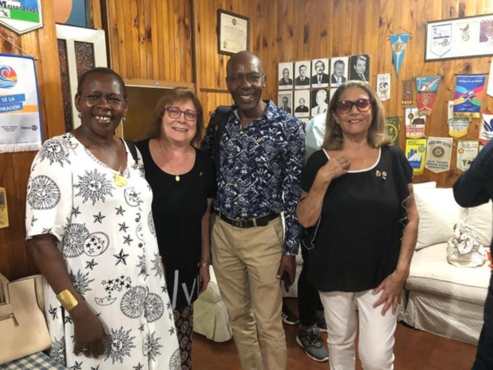 Visita de rotarios africanos y becas pro paz del Rotary