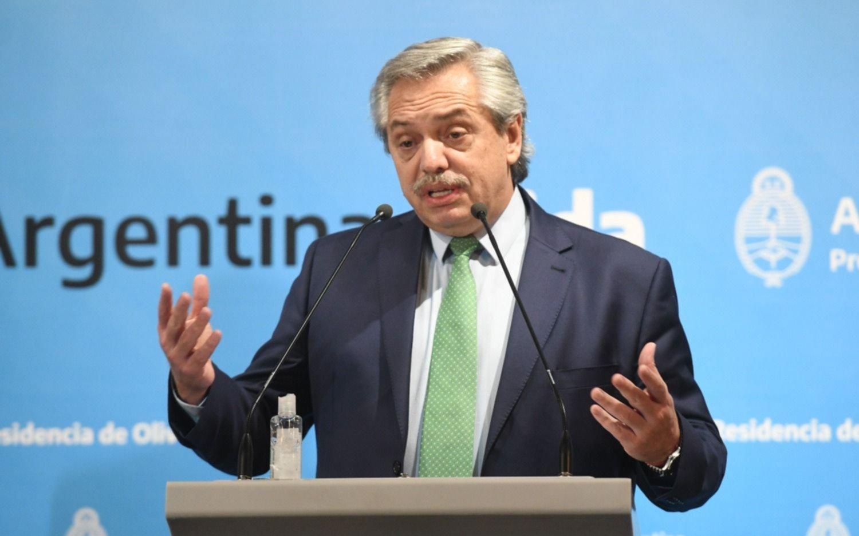 """A. Fernández: """"Si estamos unidos y cumplimos las disposiciones esto va a pasar pronto"""""""