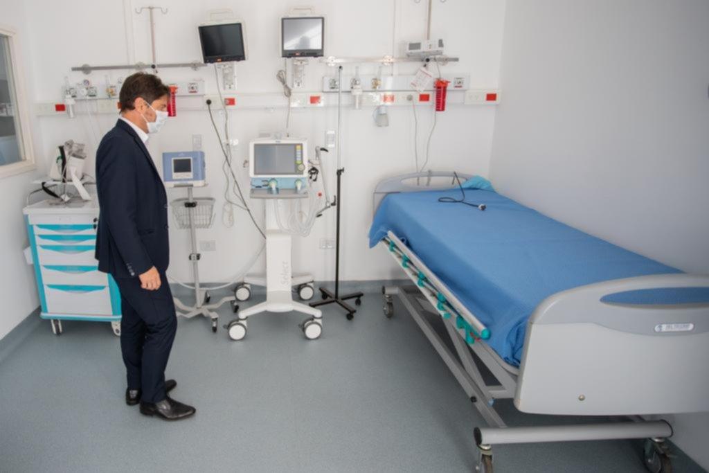 La Provincia saldrá a contratar unos 4 mil médicos, enfermeros y bioquímicos por la pandemia