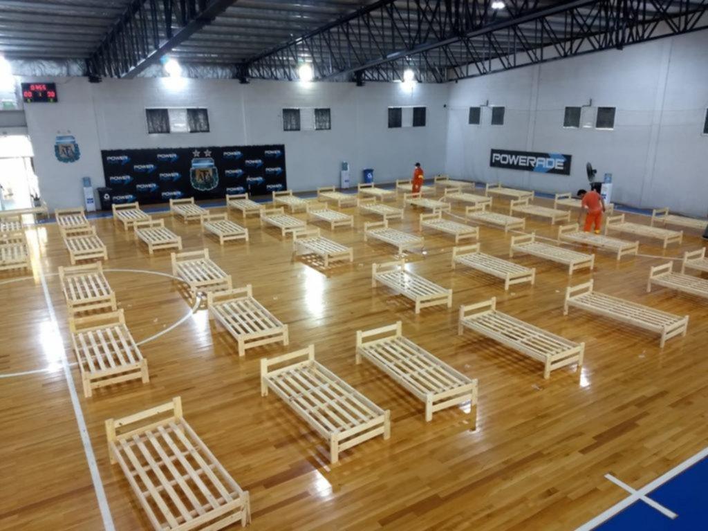 Coronavirus: AFA montó un hospital con 120 camas en el gimnasio de Futsal de Ezeiza