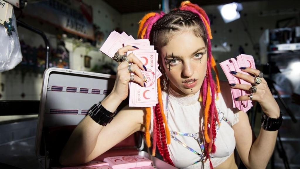 El cambio de Naomi Preizler: de las tapas de Vogue, al universo del trap