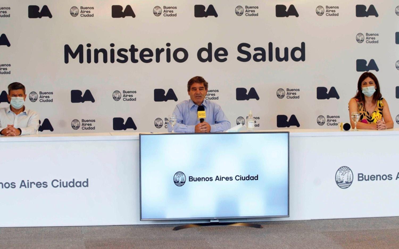 Críticas de Quirós por cómo el Gobierno reparte las vacunas