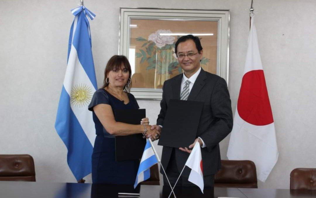 La nueva autobomba de los Bomberos Voluntarios de El Peligro llegará desde Japón
